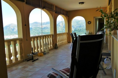18 terrace-inside (3)
